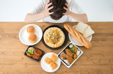 三大欲求のうちの食欲がカギ!ファーストフードの悪影響と髪に艶を与える食べ物について ヘアケア講座