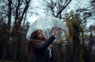 雨の日にどんどん曲がる前髪をすぐに直す2つの裏技
