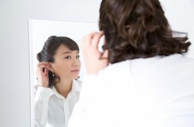 髪の抜け毛の量が多すぎる場合の対処法