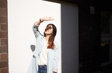 髪にも日焼け止めスプレーを使って紫外線対策!
