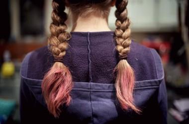 髪色を長持ちさせる!カラーシャンプーやカラートリートメントの選び方と使い方