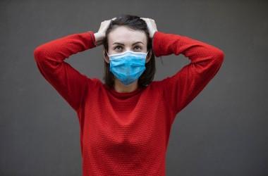 マスクで前髪がうねる・・・原因と対策を徹底解説!