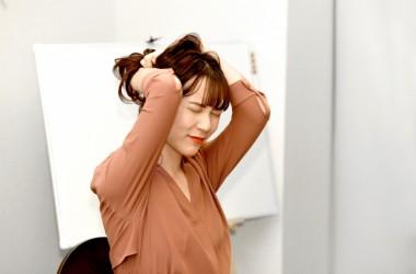 気づいたら出来てる髪の「玉結び」の原因と対処方法