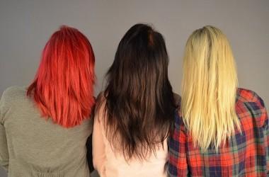 髪の黄みを抑える方法 キラキラ光らないカラーや紫シャンプーで対策しよう