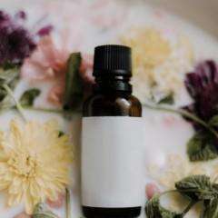 ヘアオイルとヘアミルクの違いや効果的な使い方とは?