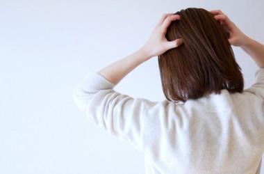 あなたの頭皮は大丈夫?頭皮が硬くなる原因と解消法