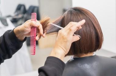 傷んだ髪の毛は切るしかない?何センチ切れば良いの? ヘアケア講座