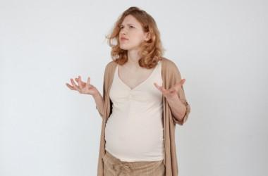 よくある出産後の抜け毛と薄毛を解消するには? ヘアケア講座
