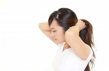 ポニーテールで頭痛が起こる原因と対処法