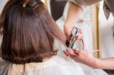 ストレートアイロンしかなくても大丈夫!ストレートアイロンで作るゆる巻きヘアのやり方講座
