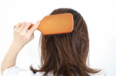 美髪にはブラッシングが命!ブラッシングの効果とやり方、おすすめのブラシは? ヘアケア講座