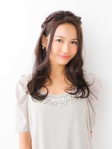 三つ編みで黒髪ティアラ☆