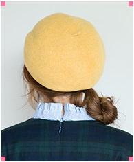 ベレー帽がアクセントback