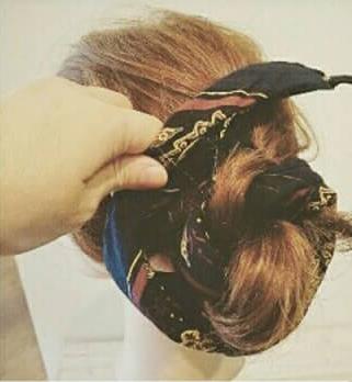 バンダナを使ったヘアアレンジ3