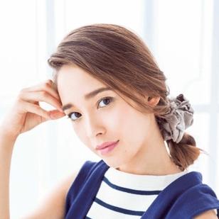 サイドまとめて美人度UP♡ 三つ編みサイドシニヨン ヘアアレンジ ロングヘア