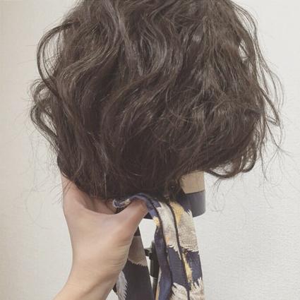 ターバンをプラスして今っぽく♡ 編み込みシニヨン4