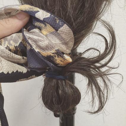 ターバンをプラスして今っぽく♡ 編み込みシニヨン3