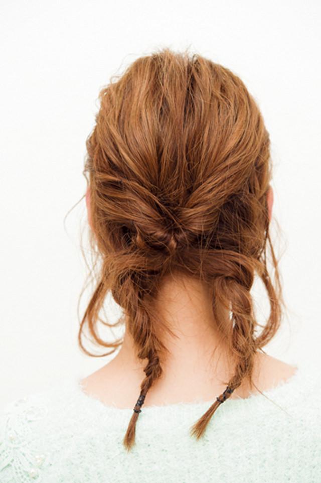 ショートヘアでフェミニン編みこみアレンジ3