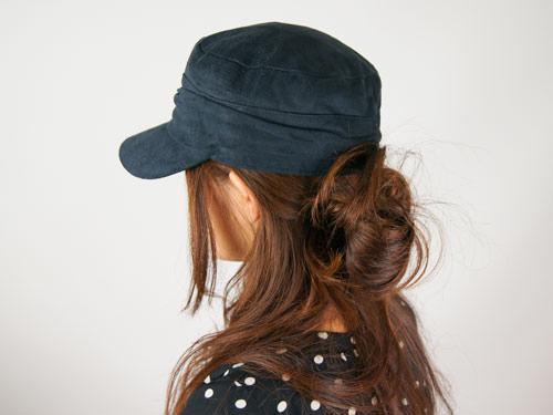 帽子を使ったまとめ髪ヘアスタイル