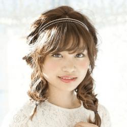 お嬢さん風ふわふわ2つ編み ヘアアレンジ ミディアムヘア
