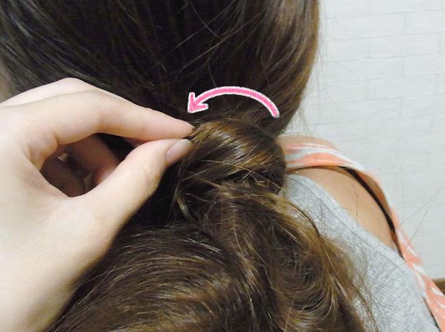 髪の毛の量が多くても安心!サイドお団子アレンジ5