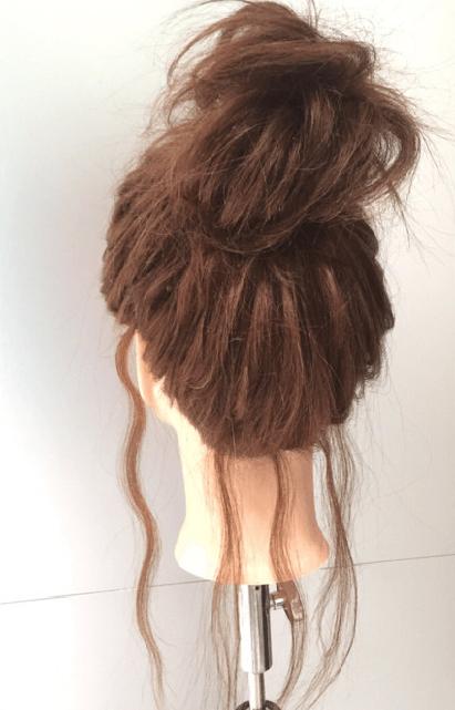 忙しい朝に!簡単基本のお団子アップヘアーのやり方☆5
