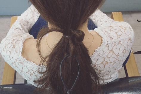 ドーナツポニーにひと手間加えるだけのまとめ髪!5