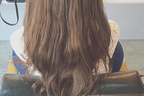 ドーナツポニーにひと手間加えるだけのまとめ髪!1