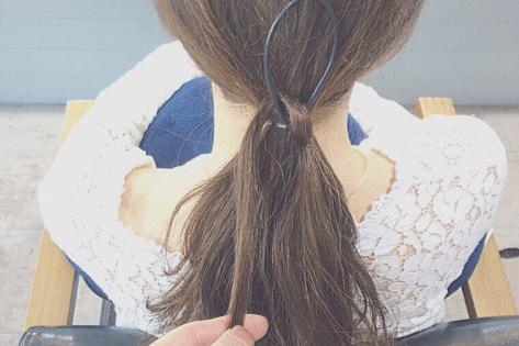 ドーナツポニーにひと手間加えるだけのまとめ髪!4