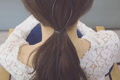 ドーナツポニーにひと手間加えるだけのまとめ髪!3