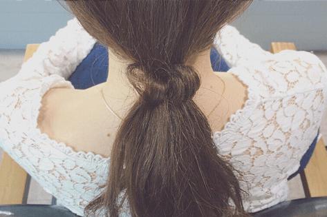 ドーナツポニーにひと手間加えるだけのまとめ髪!7