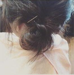 後れ毛が女らしい♡ゆるっとシニヨンアレンジ5