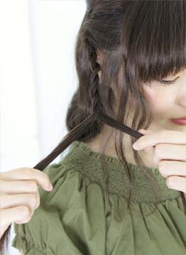 ダウンスタイルが可愛いロープ編みスタイル