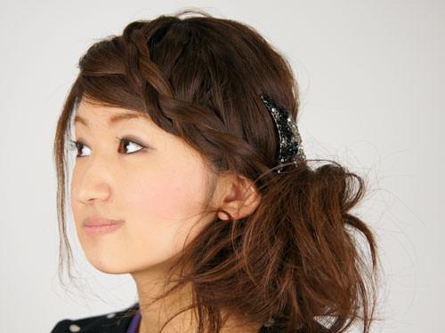 面長の方にぴったり!顔を丸く見せられるサイドヘアアレンジTOP