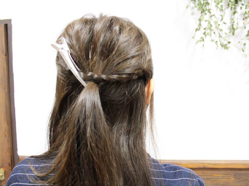 低めボリュームがかわいい!ロープ編みで作るシニヨンスタイル