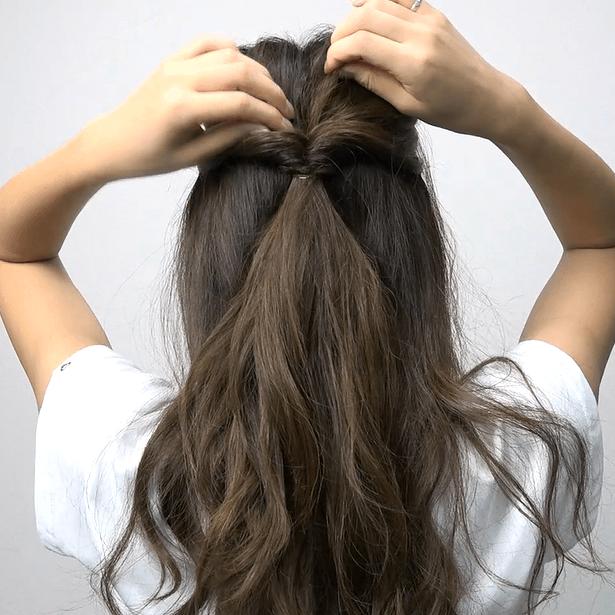 ロングヘアにおすすめ♪くるりんぱ4つで作る簡単まとめ髪1