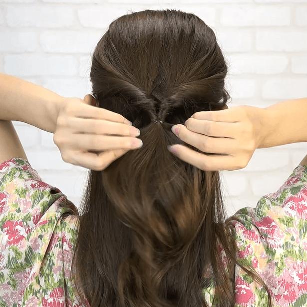 くるりんぱ+三つ編み!簡単華やかまとめ髪1