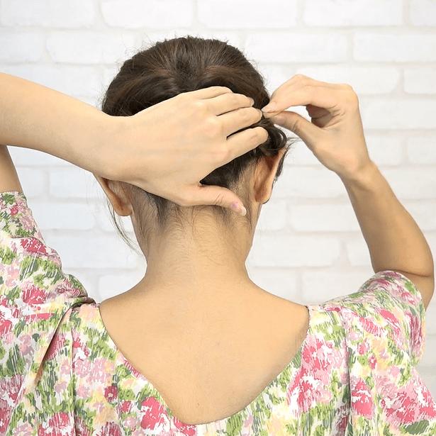 くるりんぱ+三つ編み!簡単華やかまとめ髪4