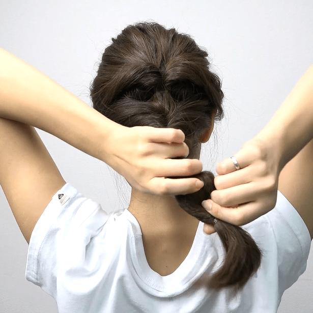 ロングヘアにおすすめ♪くるりんぱ4つで作る簡単まとめ髪4