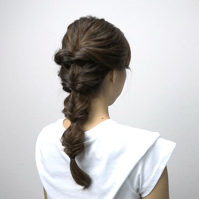 ロングヘアにおすすめ♪くるりんぱ4つで作る簡単まとめ髪SIDE