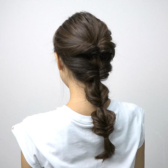 ロングヘアにおすすめ♪くるりんぱ4つで作る簡単まとめ髪