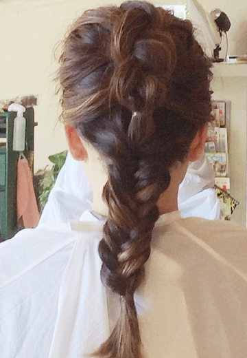 みるきーみたいな甘い雰囲気になれる♪バック編み込みヘア4
