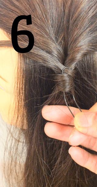 くるりんぱの結び目のゴムを隠す方法6