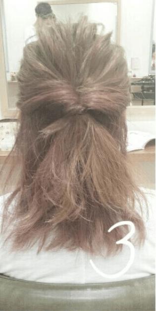 デコルテがキレイに見える♪すっきり&華やかまとめ髪3