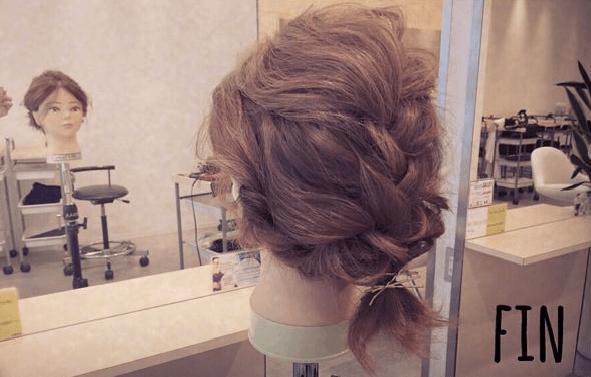 髪が短めでもできる!ふわふわまとめ髪TOP