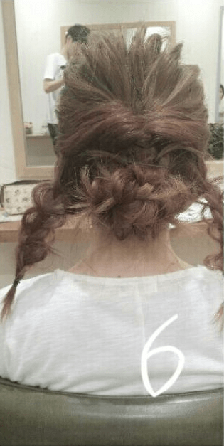 デコルテがキレイに見える♪すっきり&華やかまとめ髪6