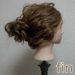 お団子×ロープ編みで作るラフなまとめ髪TOP