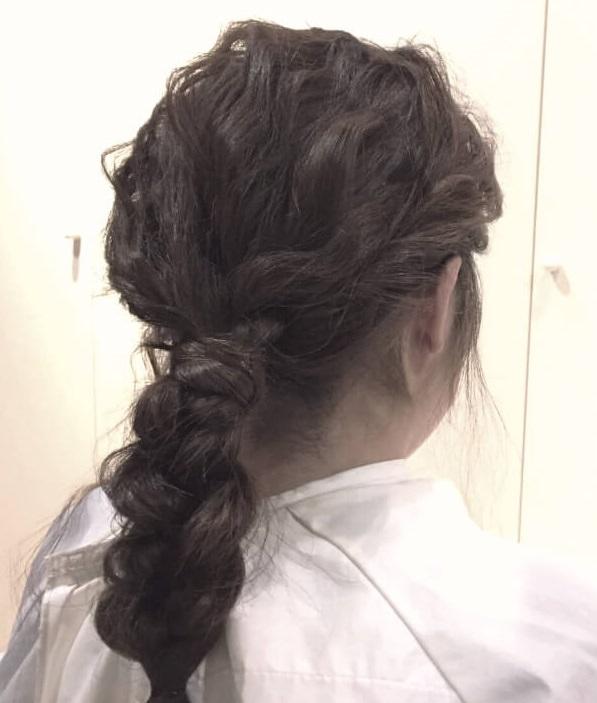 脱巻き髪!人気の波ウェーブで作る三つ編みアレンジ☆