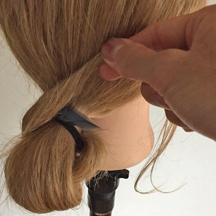 長い髪を可愛くまとめるヘアアレンジ☆5
