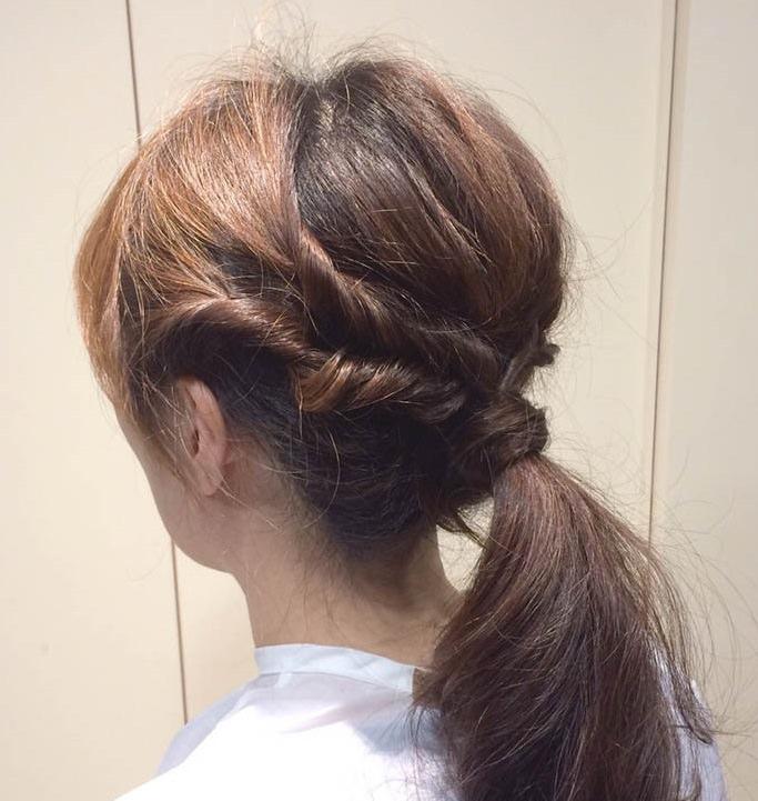 くるりんぱで作る簡単なオシャレなひとつ結びヘアアレンジ☆6